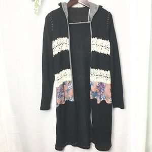 Gimmicks• crochet lace patchwork hooded duster
